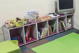 キッズルームにはキッズの興味を引く絵本やおもちゃが
