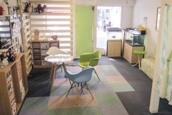 淡いグリーンを色調としたリラックススペース